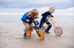 Remember learning to ride a bike when you were little? The front wheel always seemed to spin around uncontrollably, sending you flying. The Brum Brum Balance Bike has set out to stop that problem and provide the safest, best looking kids balance bike out there.