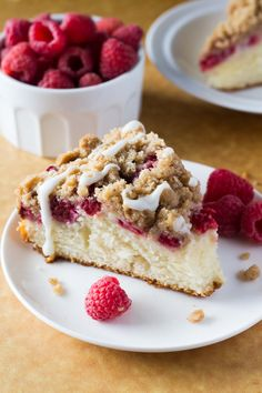 Raspberry Coffee Cake Rich, buttery, perfectly moist Raspberry Coffee Cake with Streusel Topping and Vanilla Glaze! Super easy and perfect for breakfast or brunch! Top Recipes, Cake Recipes, Dessert Recipes, Brunch Recipes, Breakfast Recipes, Breakfast Pie, Fruit Recipes, Baking Recipes, Pastries