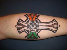 Celtic Tattoos for Women -Designs and Meanings Back Cross Tattoos, Celtic Cross Tattoos, Modern Tattoo Designs, Cross Tattoo Designs, Celtic Tattoo For Women, Cross Tattoo For Men, Tattoos For Guys, Tattoos For Women, Irish Tattoos