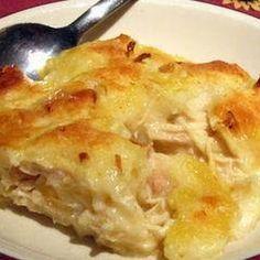 Chicken and Dumpling Casserole- This sounds better to me than regular Chicken & Dumplins