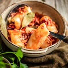 Sarmale Kraut, Dairy, Cheese, Food, Cabbage Rolls, Soups And Stews, Ground Meat, Hungarian Recipes, Chef Recipes