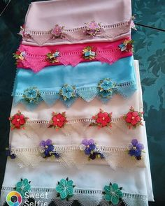 Women, Crochet Flowers, Bed Covers, Needlework, Traditional