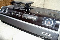 Museum of old video recorders. Mercury Cars, Classic Video, Hifi Stereo, Old Video, Video Home, Yesterday And Today, Vintage Photography, Tv, Vintage Ads