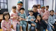 (Superman Returns) Lee Dong-wook Reunites With Daebak And His Family, And Daebak Shows His Love For Him