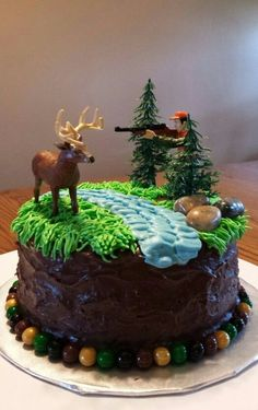 Chocolate hunting cake Deer and Hunter scene Hunting Birthday Cakes, My Birthday Cake, Hunting Cupcakes, Deer Cakes, Peacock Cake, Dad Cake, Decoration Patisserie, Different Cakes, Cakes For Boys
