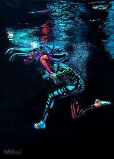 * Underwater UV ballet Organized a session with Agnieszka Glińska & Art Color Ballet