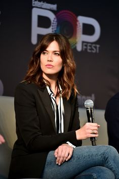 "Mandy Moore Photos Photos - Actress Mandy Moore speaks onstage during the ""This Is Us"" panel at Entertainment Weekly's PopFest at The Reef on October 30, 2016 in Los Angeles, California. - Entertainment Weekly's PopFest"