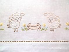 lenzuolino Baby Embroidery, Silk Ribbon Embroidery, Embroidery Stitches, Embroidery Patterns, Brother Innovis, Baby Sheets, Baby Sewing Projects, Baby Patterns, Baby Quilts