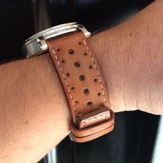 Straight strap width with two leather keepers. Watch Straps, Handmade Leather, Apple Watch, Belt, Luxury, Brown, Vintage, Belts, Watch Bracelets