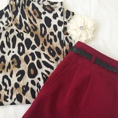 ⏬ Cheetah Print Blouse • In excellent, used condition • Zipper on back Accepting reasonable offers!  Belt shown in covershot is New With Tags! See separate listing for details & BUNDLE to save Forever 21 Tops Blouses