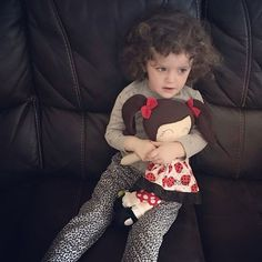 I love seeing photos of #littleidadolls in their new forever homes...Here's the gorgeous Storm with her Dress-up Doll. 😍💖😍💖😍💖😍 love it!! Thanks so much for sharing @julieg1416 😘 . . . . #ooakdoll #ig_kids #dollsofinstagram #littleidadolls #mumpreneur #instashop #instabossmob #giftideas #giftsforgirls #makersmovement #memade #womaninbiz #tuesdaymotivation #quality #bespoke #custommade #personalised #dressupdoll