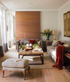 Salón con corredera de madera. Madera de roble