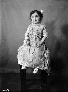 http://www.buzzfeed.com/mackenziekruvant/crazy-photos-from-the-circus-1900s