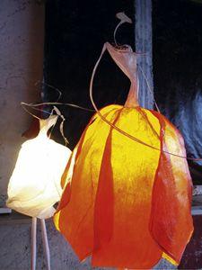Isabeau d'Abzac - Braise - papier collé résiné, platre, 1.80m Deco Luminaire, Luminaire Design, Paper Birds, Paper Flowers, Paper Mache Projects, Diy And Crafts, Paper Crafts, Paper Mache Sculpture, Metal Birds