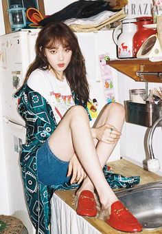 "Lee Sung Kyung, who is currently playing the character of Seo Woo in ""Doctors"" shows off her sense of humor in the June issue of Grazia. I'm loving her portrayal of Seo Woo, she&#…"