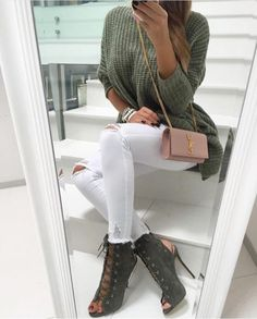 open toe booties green, ripped white skinny jeans, olive tricot sweater, pastel pink ysl yves saint laurent handbag, golden chain, street fashion