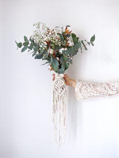 Macrame ideas for your boho, festival or vintage wedding boho wedding 145 Best Macrame Wedding Ideas images Woodland Wedding, Boho Wedding, Dream Wedding, Bouquet Crochet, Bouquet Wrap, Macrame Design, Bridal Flowers, Wedding Cards, Wedding Planning