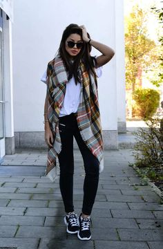 blanket scarf + skinny jeans