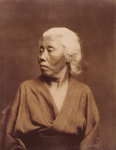 Old woman portrait by Felice Beato