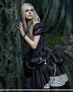 Avril Lavigne- Alice in Wonderland Photoshoot-
