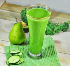 Green Goddess Juice: Made with kale avocado cucumber green apple pear salt pepper with touch of spices. Smoothie Detox, Juice Smoothie, Smoothie Drinks, Smoothie Recipes, Healthy Detox, Healthy Juices, Healthy Drinks, Healthy Life, Eating Healthy
