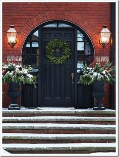 Holiday Decorating {Festive Fronts}