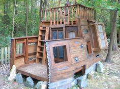 My Epic Pirate Shipwreck - HauntForum member IMU Pirate Decor, Pirate Theme, Pirate Crafts, Pirate Birthday, Tree House Designs, Deco Originale, Backyard Playground, Outdoor Learning, Backyard Projects