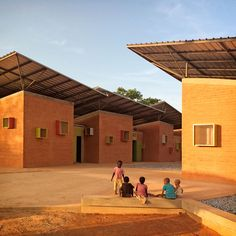 Surgical Clinic in Léo, Leo, 2014 - Kere-Architecture Cultural Architecture, Public Architecture, Brick Architecture, Vernacular Architecture, School Architecture, Sustainable Architecture, Contemporary Architecture, Pavilion Architecture, Residential Architecture