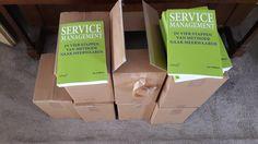 Het nieuwe boek 'Service Management' van Jos Gielkens is deze week uitgekomen, en zijn net vers van de pers bezorgd door de drukker.  #servicemanagement #josgielkens #futurouitgevers