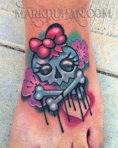 Cute skull tat