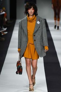 Vivienne Westwood Red Label Fall 2015 Ready-to-Wear Fashion Show: Complete Collection - Style.com