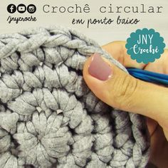 Aprenda a trabalhar com fio de malha nesta aula de crochê circular. 😍  O passo a passo em vídeo você encontra no nosso canal 👉 https://youtu.be/UlFyvG1OVMI 😃 Gostou ? Fale com a gente.    #canaljnycroche #canalcrochedaju #jnycroche #croché #crochet #croche #crochê #fiodemalha #crochecircular #sitejnycroche #auladecroche #professoraju #artesasdobrasil #criatividade #crochetaddict #criatividade