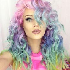 Apuesta por el #Rainbowhair , la tendencia que arrasa en la red http://www.enfemenino.com/cabello/rainbow-hair-s1361262.html