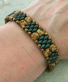 Linda's Crafty Inspirations: Bracelet of the Day: Regina Bracelet