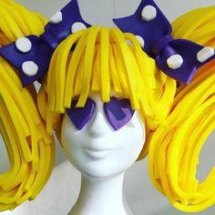 Een super leuke pruik van foam. Je kunt kiezen uit 15 kleuren en natuurlijk wordt de pruik op maat gemaakt Foam Wigs, Female Clown, Mannequin Art, Wig Hat, Crazy Hats, Living Dolls, Wig Making, Foam Crafts, Fantasy Makeup