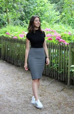Trendiest women business skirt outfits modest you need to know 51 - Outfit ideas - Roupas Skirt Outfits Modest, Casual Work Outfits, Classy Outfits, Cool Outfits, Summer Outfits, Modest Wear, Church Outfit Summer, Modest Dresses, Maxi Dresses