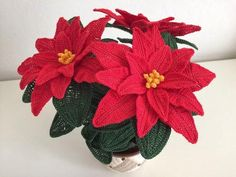 The most famous ornamental plant and given during Christmas holidays. Simple and elegant at the same time, Christmas Star presents to o. Christmas Star, Christmas Holidays, Christmas Wreaths, Christmas Crafts, Christmas Decorations, Crochet Flower Patterns, Crochet Flowers, Sunburst Granny Square, Poinsettia Flower