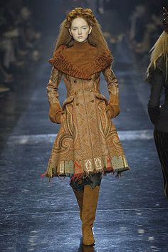 Lily Cole (Jean Paul Gaultier's show, Paris) love the paisley used as a coat