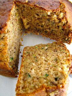 Bolo de curgete e avelãs | Pede Salsa Cabazes