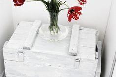 vintage white chest, white interior, white bedroom, Scandinavian interior, Nordic interior frichic.com
