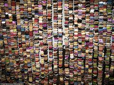 Leah Foster makes her delicious installations out of thousands of colorful cupcakes. Some of her cupcake towers are tall, and Foster original started Cupcake Art, Cupcake Towers, Food Artists, School Of Visual Arts, Installation Art, Art Lessons, The Fosters, Pop Culture, Photo Wall