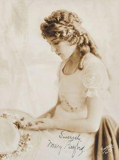 Mary Pickford, 1920.  ♥