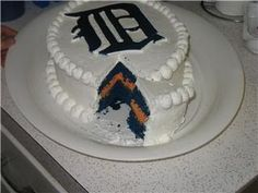 My dad would love this -- I'm always in favor of using food coloring on white cake.