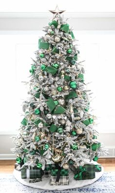 christmas tree themes A Christmas Tree Fit for the Emerald City - Emerald Green Christmas Tree Simple Christmas Tree Decorations, Christmas Tree Skirts Patterns, Types Of Christmas Trees, Beautiful Christmas Trees, Diy Christmas Tree, Green Christmas, Christmas Holidays, Merry Christmas, Christmas Ornaments