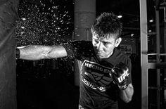 Una rutina destinada a fortalecer el torso del peleador de la UFC Miguel Ángel Torres.   Por Gabriel Gutiérrez con fotografías por Oscar Haquet