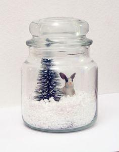 Christmas DIY Decorations | Image via mangoandsalt.com