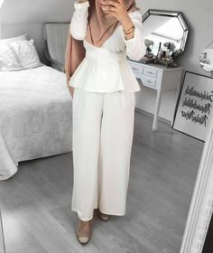 How to wear palazzo pants with hijab Modest Fashion Hijab, Modern Hijab Fashion, Muslim Women Fashion, Hijab Chic, Abaya Fashion, Fashion Outfits, Hijab Dress Party, Hijab Outfit, Modest Wear