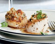 Baked Scallops with Herbed Crumbs * made this