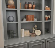 22 Trendy Home Decored Living Room Grey Built Ins Grey Bookshelves, Painted Bookshelves, Grey Shelves, Built In Bookcase, Bookcases, Book Shelves, Organizing Bookshelves, Bookcase Styling, Painted Built Ins