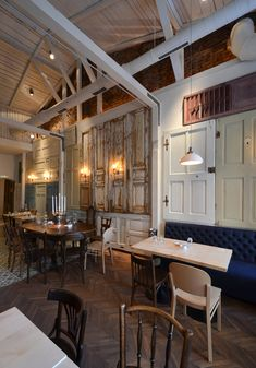 BON restaurant in Bucharest by Cristian Corvin . BON restaurant in Bucharest by Cristian Corvin photos. Restaurant Door, Rustic Restaurant, Restaurant Interior Design, Industrial Restaurant, Cosy Cafe, Coffee Shop Design, French Bistro, Hospitality Design, Traditional Furniture